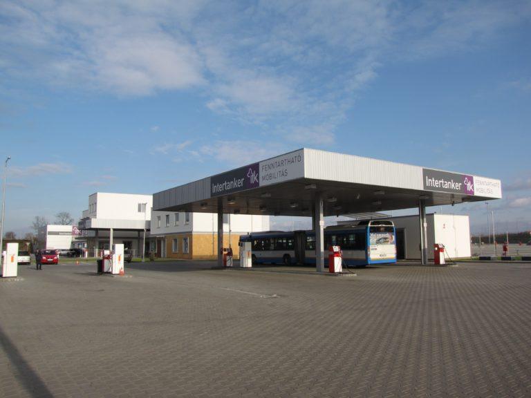 Autóbusz telephely és üzemanyag töltő állomás 1